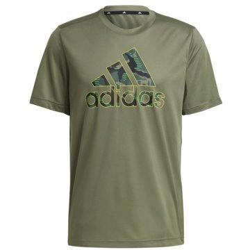 adidas T-Shirts DESIGNED 2 MOVE CAMOUFLAGE GRAPHIC AEROREADY T-SHIRT - GM2111 grün