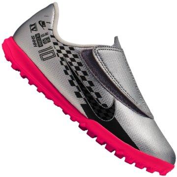 Nike Multinocken-Sohle silber