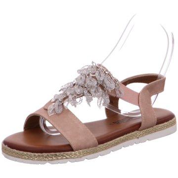 Laufsteg München Top Trends Sandaletten rot