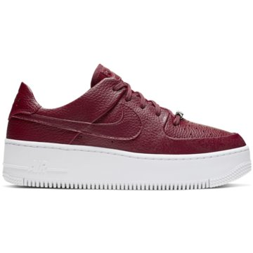 Nike Casual BasicsAir Force 1 Sage Low Sneaker -
