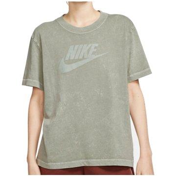 Nike T-Shirts grün